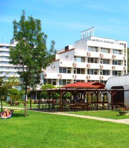 Hotel Három Hattyú
