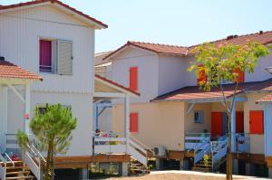 Grand Bleu Vacances – Résidence La Grenadine, Курортные отели  Марсейан - big - 3