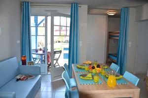 Grand Bleu Vacances – Résidence La Grenadine, Курортные отели  Марсейан - big - 12