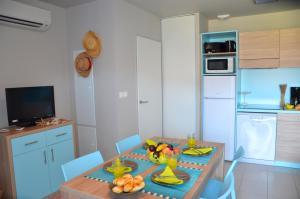 Grand Bleu Vacances – Résidence La Grenadine, Курортные отели  Марсейан - big - 20