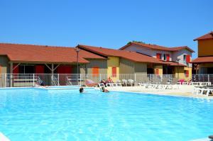 Grand Bleu Vacances – Résidence La Grenadine, Курортные отели  Марсейан - big - 42