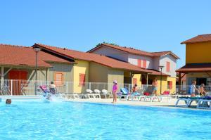 Grand Bleu Vacances – Résidence La Grenadine, Курортные отели  Марсейан - big - 1