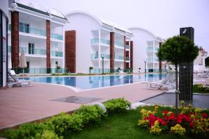 Side Gardenia Residence