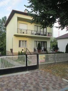 Rozs Ház