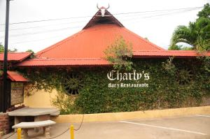 Hotel cerca : Charly´s Guest House