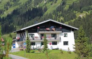 Pension Zoeggeler - Lech
