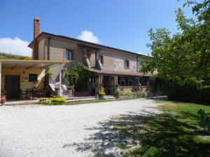 Nearby hotel : Agriturismo Castello