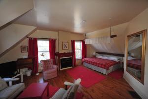 Little Shemogue Inn