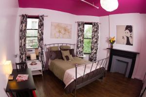 19427517 Central Park West Hostel New York NY