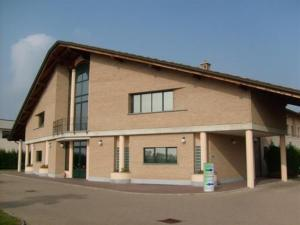 Hotel «- Motel Flower», Gropello Cairoli