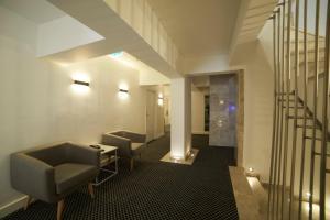 En Otel Karaca