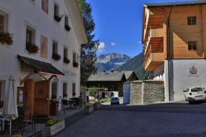 Obertilliach Hotels