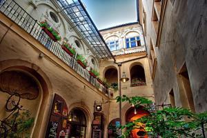 Karlova 25 Apartments