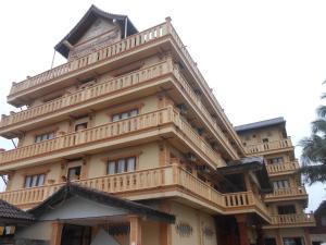 Vanhmaly Hotel