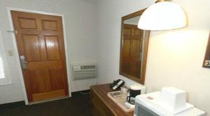 Econo Lodge Davis, Hotels  Davis - big - 15