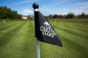 Nearby hotel : Carlton Oaks Country Club