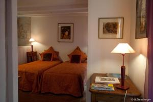 La Demeure Saint-Ours, Bed and Breakfasts  Loches - big - 11