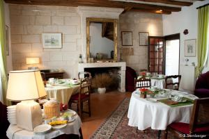 La Demeure Saint-Ours, Bed and Breakfasts  Loches - big - 30