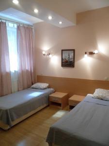 Отель Златотур - фото 2