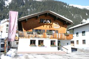 Chalet Angel - Accommodation - St. Anton am Arlberg