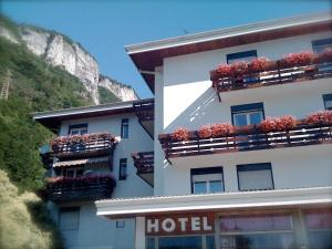 Nearby hotel : Hotel Quattro Valli