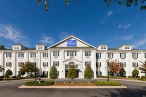 Baymont Inn & Suites - Henderson