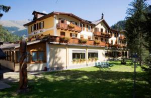 Hotel Vioz, Hotel  Peio Fonti - big - 28