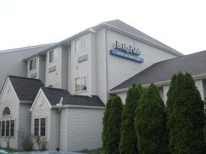 Nearby hotel : Bridgepointe Inn & Suites Toledo-Perrysburg