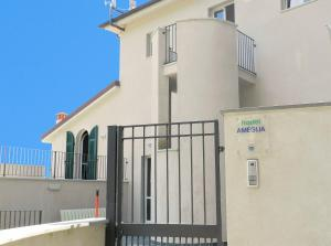 Nearby hotel : Hostel Ameglia