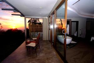 Suite Honeymoon - Balkon/teras Infinity View Boutique Guesthouse