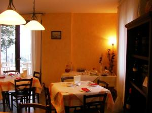 Leondina Country House, Bed & Breakfasts  Corinaldo - big - 37