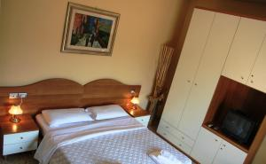Nearby hotel : Sei A Roma Accommodation