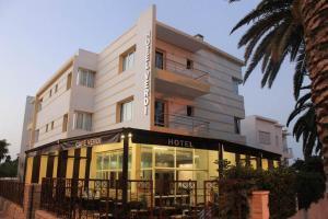 (Hotel Cafe Verdi)