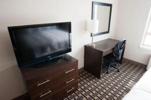 Nearby hotel : Western Star Inn & Suites Redvers