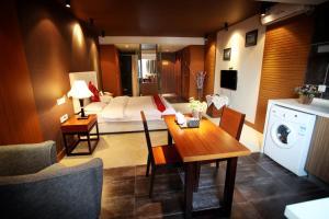 Фото отеля Chengdu Taizilai Apartment Hotel