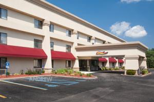 Nearby hotel : Baymont Inn & Suites - Battle Creek