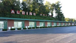 Nearby hotel : Alpine Motel