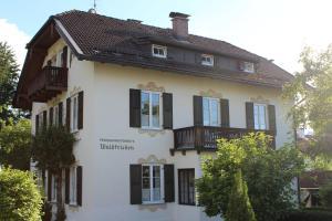 Villa Waldfrieden - Ferienwohnungen und -Haus
