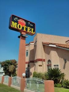Nearby hotel : Cudahy Inn Motel