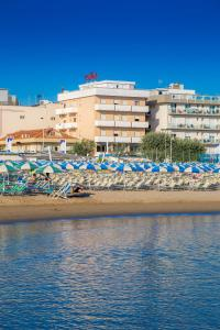 Hotel Touring, Hotel  Misano Adriatico - big - 3