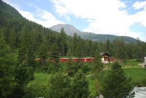 Chesa La Furia, Ferienwohnungen  Pontresina - big - 15