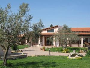 Nearby hotel : Agriturismo Is Scalas