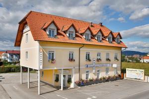 G�stehaus Feldkirchen
