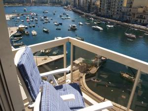 Seafront Apartment Spinola Bay