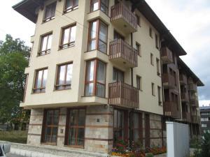 (Todorka Views Alexander Services Apartments)