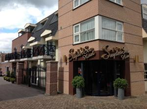 SuyderSee Hotel, Энкхейзен