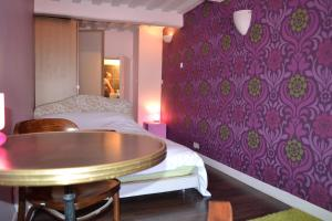 La Chambre du Marin, Bed & Breakfast  Honfleur - big - 23