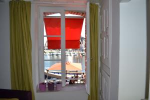 La Chambre du Marin, Bed & Breakfast  Honfleur - big - 9