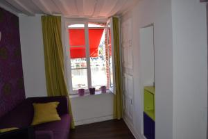 La Chambre du Marin, Bed & Breakfast  Honfleur - big - 25