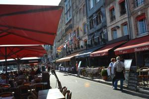 La Chambre du Marin, Bed & Breakfast  Honfleur - big - 31